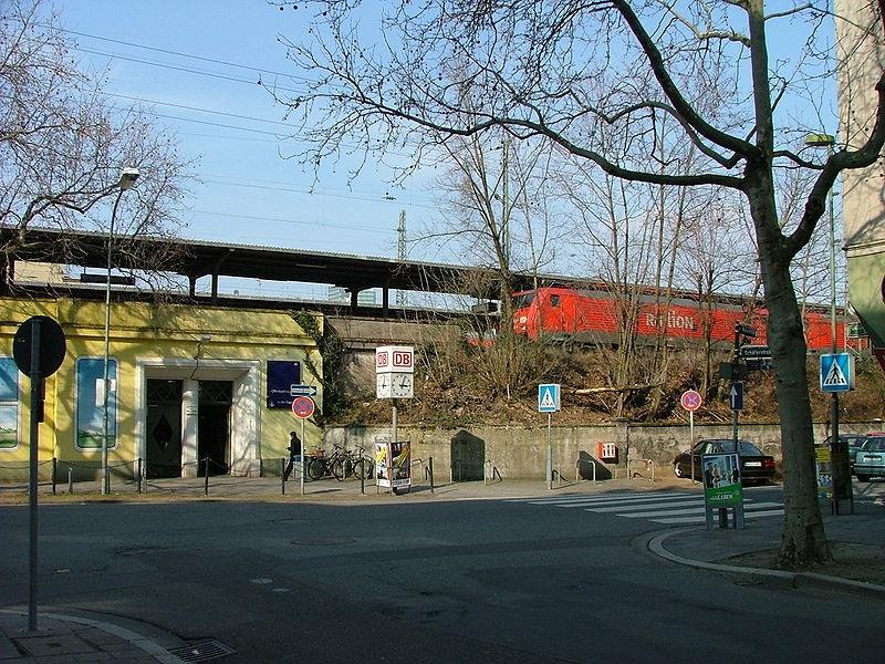 Elevated train1