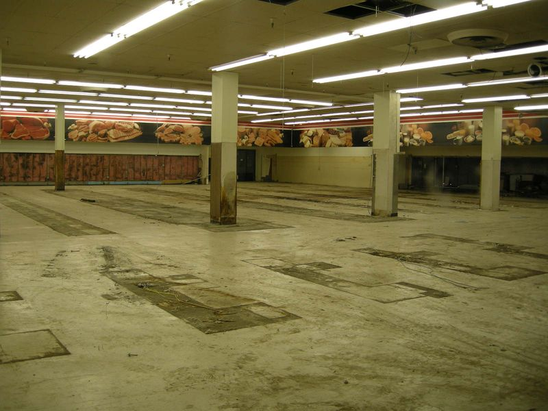 Safeway empty3