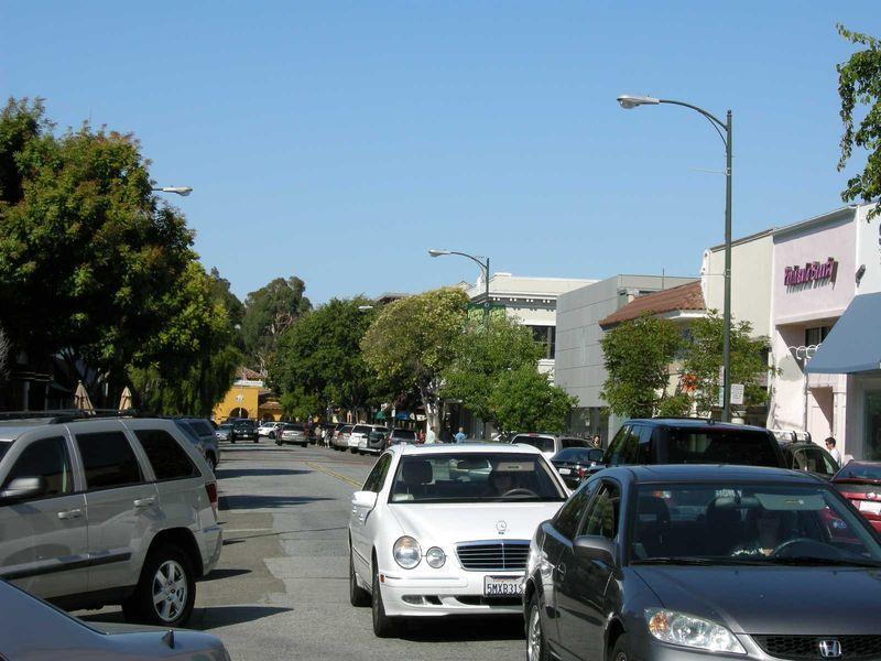 Avenue w Cars