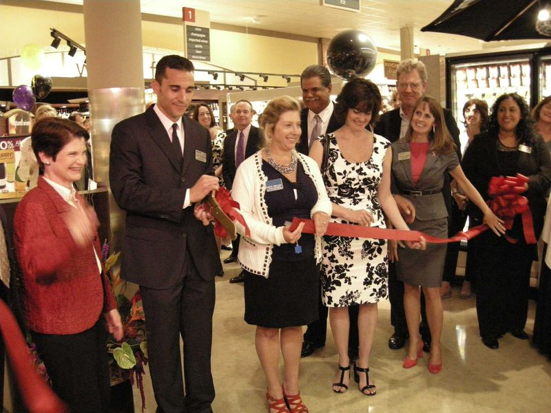 GO_ribbon cutting
