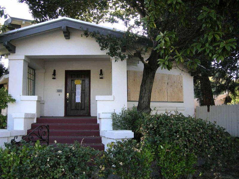 1600 Bway Meth House