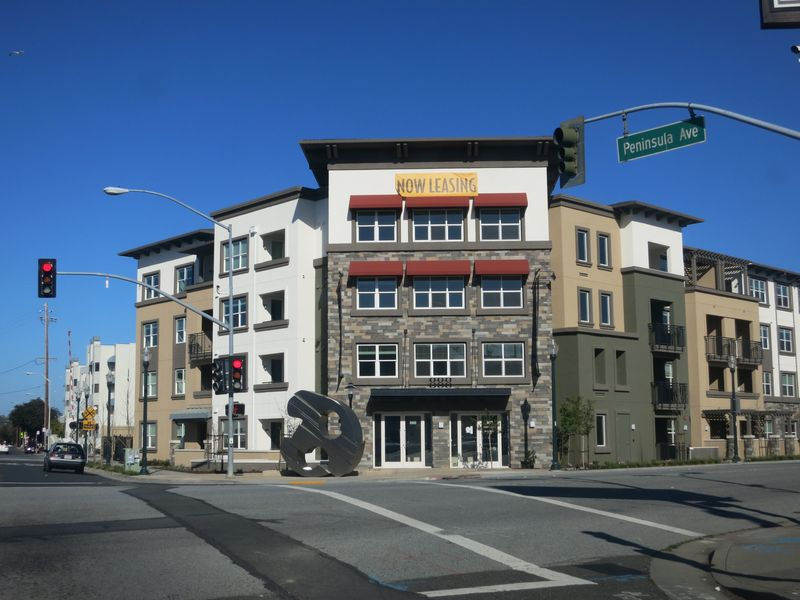 Peninsula Ave apartments leasing