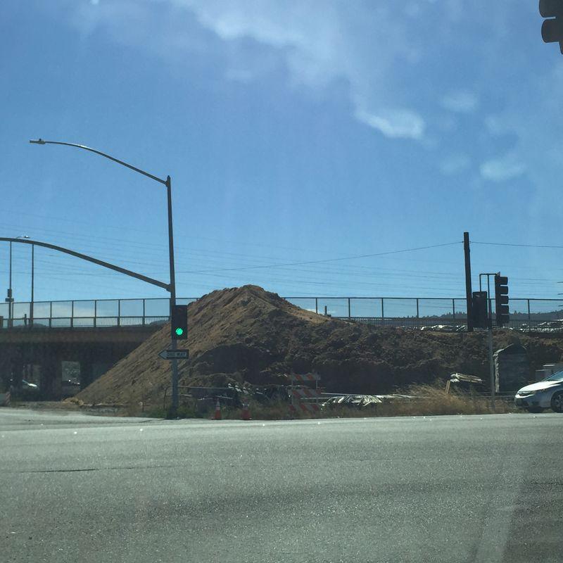 Dirt pile_0915