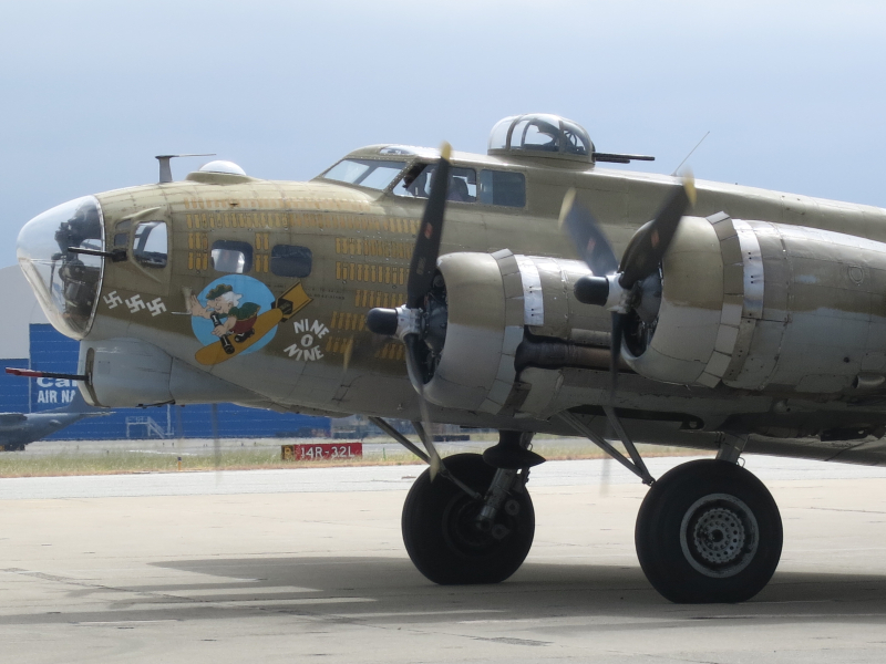 B-17 profile